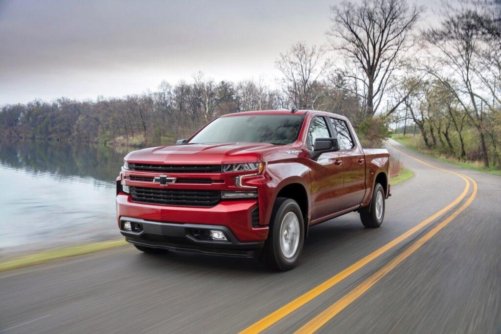 2019 Silverado 1500 Diesel Exterior and Interior Review