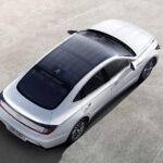 Hyundai lanza al mercado el primer auto con paneles solares en el techo