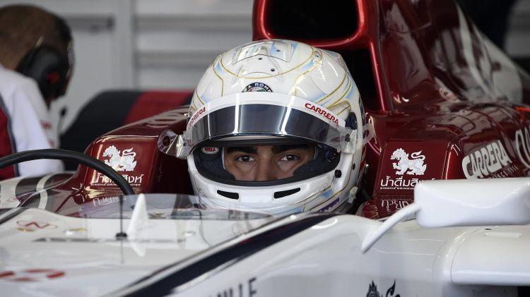Juan Manuel Correa relata cómo es pilotar un auto de Fórmula 1