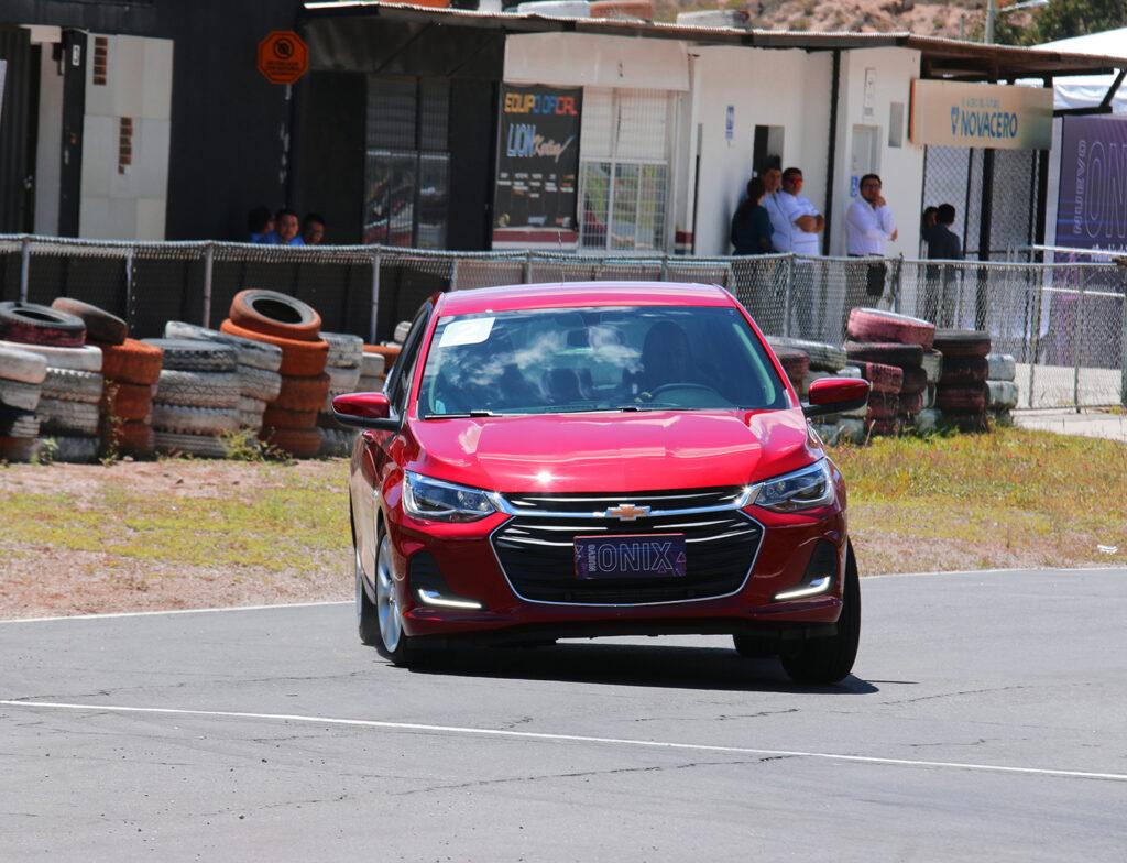Chevrolet-onix-5
