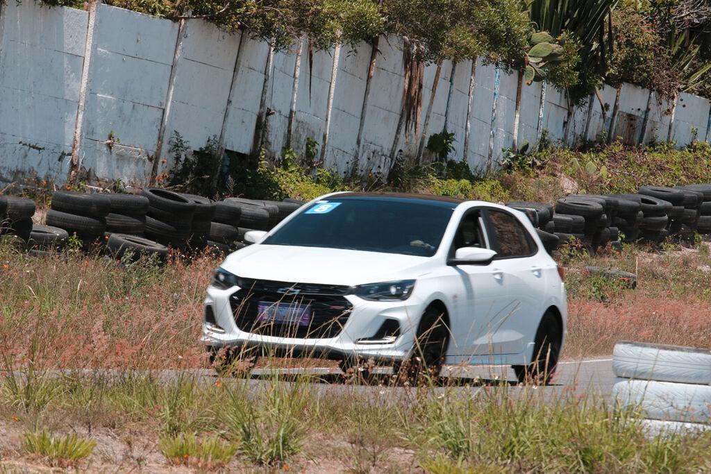 Chevrolet-onix-9